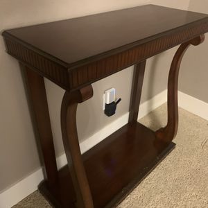 Bombay Company Console Table for Sale in Tualatin, OR