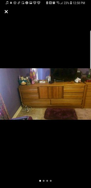 Dresser w/mirror for Sale in Alafaya, FL