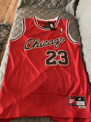 26a804cd329 Michael Jordan red  23 Chicago bulls rookie jersey ! for Sale in Burbank