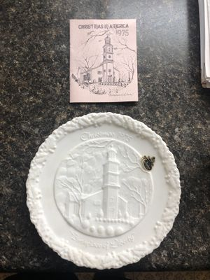 Fenton Christmas Plate (1975 Birthplace of Liberty 65533) for Sale in Cincinnati, OH