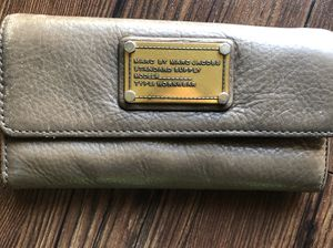 Marc Jacobs wallet for Sale in La Mirada, CA