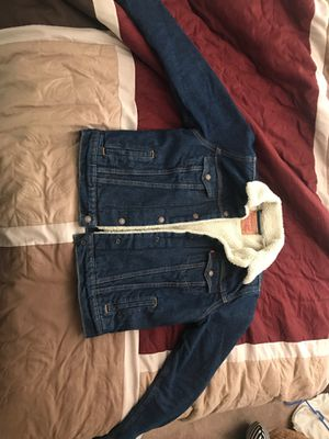 levi's original trucker jacket with sherpa for Sale in Yorba Linda, CA