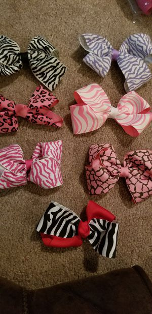 7 hairbow clips for Sale in Feasterville-Trevose, PA
