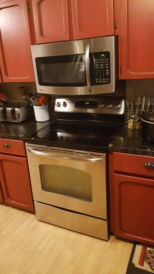 GE GLASS TOP STOVE for Sale in Battle Ground, WA