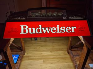 Antique Budweiser Pool Table Light for Sale in Gulfport, MS