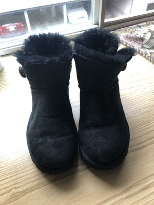 Size 7 Blingy Uggs for Sale in Kirkland, WA
