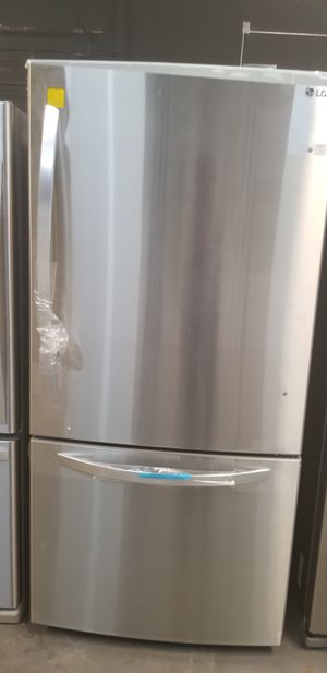 """Refrigerator Stainless Bottom Freezer LG 33""""W $39 Down Payment Only for Sale in Houston, TX"""