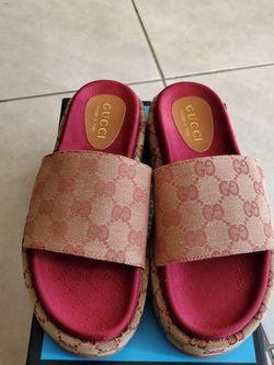 Gucci Platform Sandals Size 9 for Sale in Pompano Beach,  FL