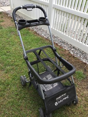 SNAP AND GO, fit almost every car seat. Good condition. Just dusty for Sale in Summerville, SC