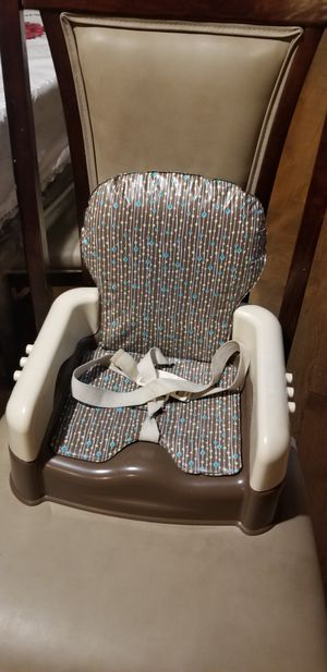 Safety 1st Sit N Go Booster Seat Brown for Sale in North Chicago, IL
