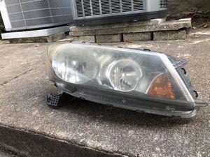 2008 Honda Accord Sedan Used Passenger Driver Headlight 4DR Right-side LX 4D 08 for Sale in Houston, TX