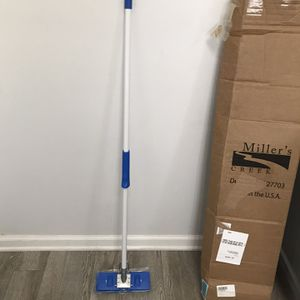 """New! Miller's Creek Butterfly Mop - 9.88"""" x 1.13"""" Sponge Head - 47"""" x 0.88"""" - Squeeze-action - 1 / E for Sale in Plainfield, IL"""