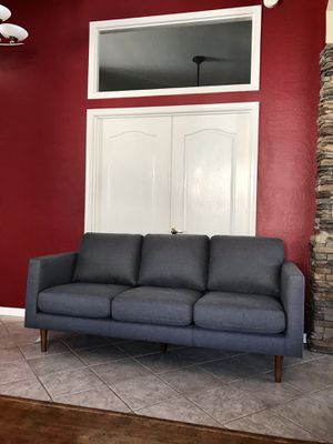"""SOFA MODERN MID CENTURY COUCH GRAY COLOR (78"""" inches long) for Sale in Glendale, AZ"""
