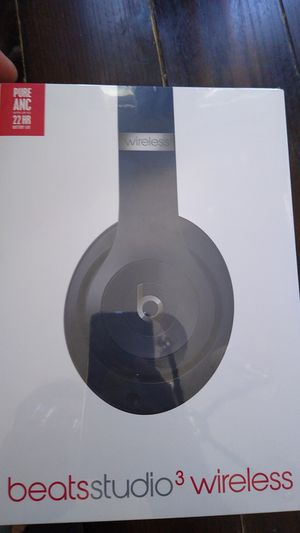 Brand new Beats studio 3 for Sale in San Diego, CA
