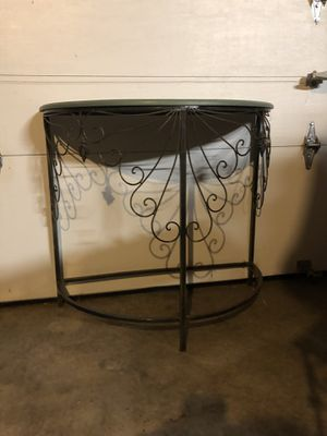 Side table and tall shelf for Sale in Tacoma, WA