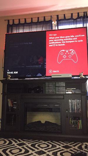 """70"""" Element Roku 4K tv for Sale in Manassas, VA"""