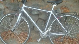 Specialized sirrus sport crossover mt bike for Sale in Seattle, WA