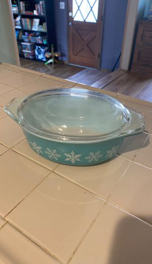 Retro Pyrex Christmas baking dish for Sale in San Diego, CA