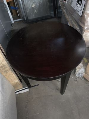 "(2) Safco round end table Mesa redonda 24"" for Sale in Dallas, TX"