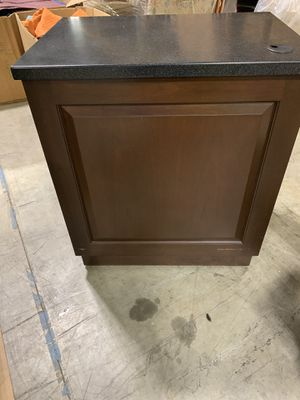 Mobile Kitchen island 36L 25D 41H for Sale in Raleigh, NC