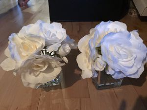 Wedding party white flower decor - centerpiece for Sale in Chicago, IL