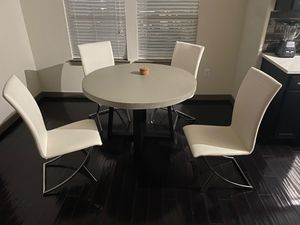 Dining room table for Sale in Katy, TX