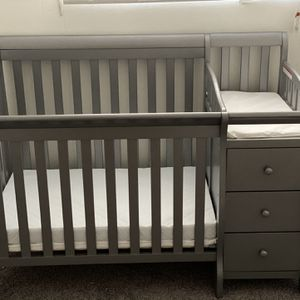 5 In 1 Crib With Mattress New for Sale in Tempe, AZ