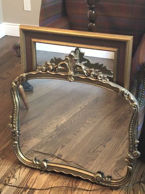Beautiful gold mirror for Sale in Warren, MI