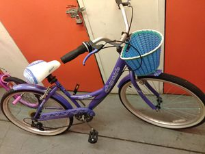 Bike cruiser, purple with basket for Sale in Tampa, FL