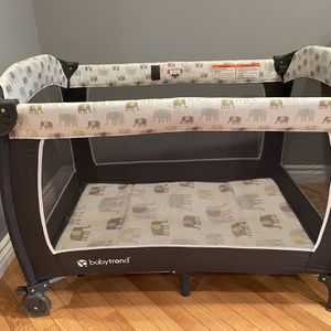 Used Play Pen for Sale in Los Angeles, CA