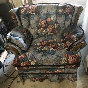 chair for Sale in Backus, MN