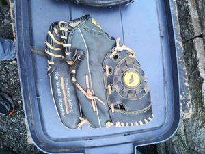 Baseball Glove for Sale in Portland, OR