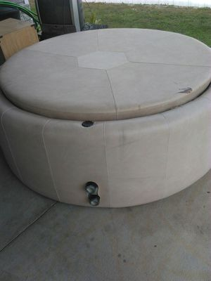 Hot Tub for Sale in TWN N CNTRY, FL