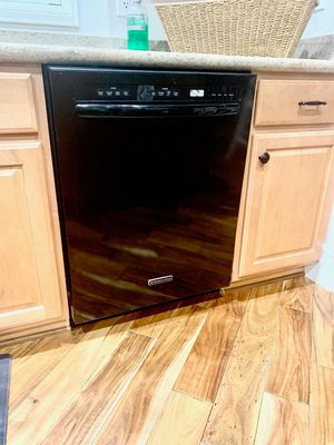 Kitchen aid KitchenAid black dish washer dishwasher with stainless steel inside for Sale in Henderson, NV