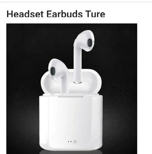 White earbuds works with Apple/android for Sale in Woodburn, OR