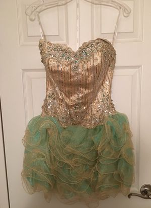 Hannah S Prom Dress Sz. 4 for Sale in Silver Spring, MD