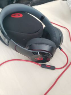 Beats Solo Headphones for Sale in Canoga Park,  CA