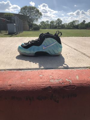 """Nike air foamposite pro """"island green"""" size 9.5 for Sale in Pflugerville, TX"""