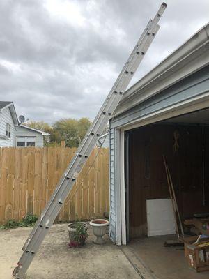 24' extension ladder for Sale in Des Plaines, IL