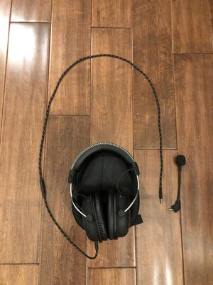 HyperX Cloud GAMING Headset With Detachable Microphone and Travel Case for Sale in Fullerton, CA