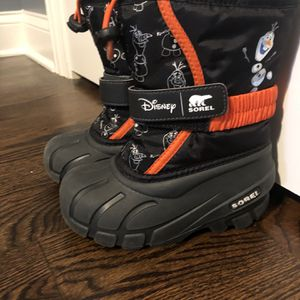 Disney frozen Olaf Sorel kids boots Size 10 for Sale in Chicago, IL