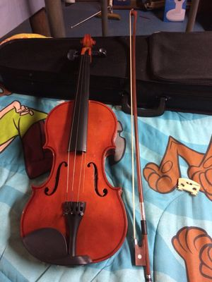 New Violin and case for Sale in Francisco, IN