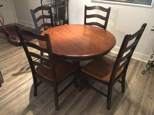 Wooden kitchen table and 4 matching chairs for Sale in Fort Lauderdale, FL