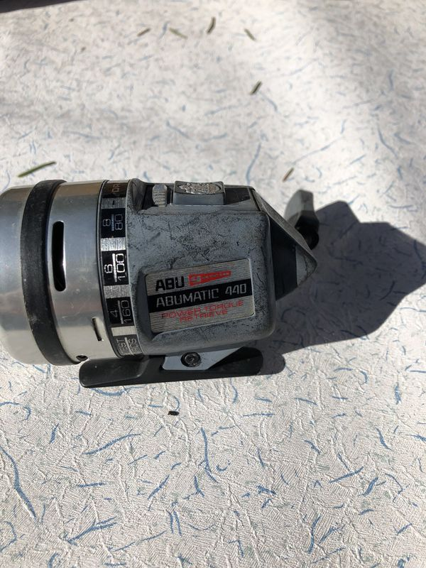 5 Fishing Reels. I had 6 but 1 is gone