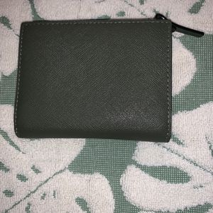 Kate Spade Wallet for Sale in Maywood, CA