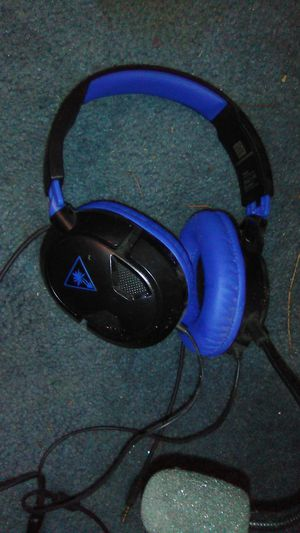Turtle Beach headset ps4 for Sale in Salem, OR