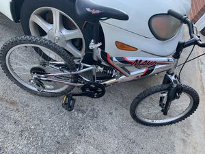 Moutain Bike For Sale $30 Needs Inner Tube For Front Tire for Sale in Lithonia, GA
