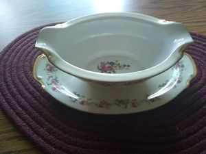 Beautiful gravy boat for Sale in Columbus, OH