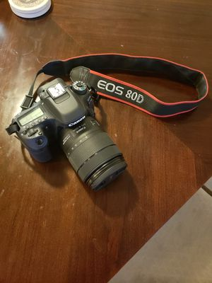 Canon EOS 80D DSLR with 18-135mm lense for Sale in VANDENBRG Air Force Base, CA