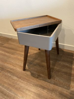 Mid century modern swivel top side table for Sale in Anaheim, CA